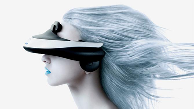 Nieuw van Sony: een bril die je haar speels naar achter blaast.