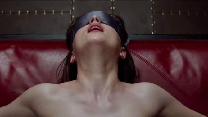 De film Fifty Shades Of Gray wordt een stuk minder sexy als je weet dat je moeder het boek waarschijnlijk heeft gelezen
