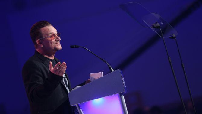 Bono omringt zich altijd graag met zijn echte vrienden