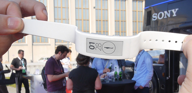 Smartband Talk wearable