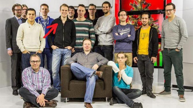 Lieve mensen van Tweakers, kunnen jullie misschien een nieuwe foto maken? Rode pijl is overigens Wout.
