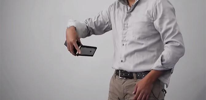 Nunchuck iPhone-hoesje, eindelijk een coole smartphonecover
