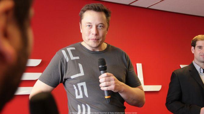 Zo kijkt meneer Musk vlak voordat je je bureau kunt leeghalen