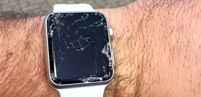 't Wereldje (94) met demente tech-journo's en exploderende Apple Watch
