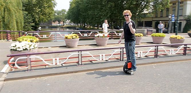 Heel vaak op je bek gaan bij de Coolwheel-race [video]