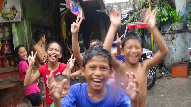 Ook in de sloppenwijken van Bangladesh zijn ze dolblij met de mogelijkheden van de Oculus Rift.