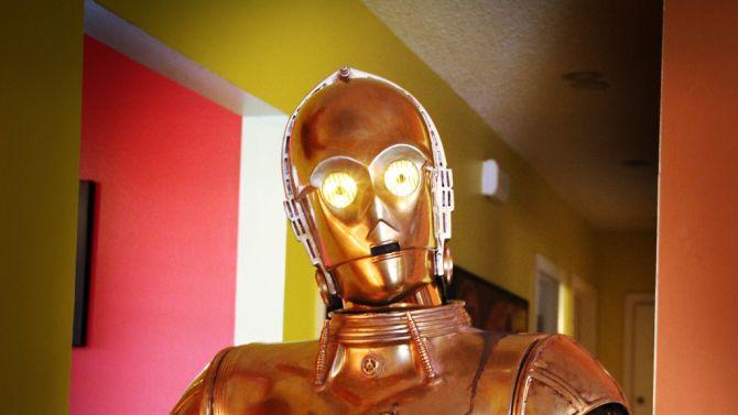 C-3PO met laserogen, dat hat Star Wars dan wel weer een beetje leuker gemaakt.