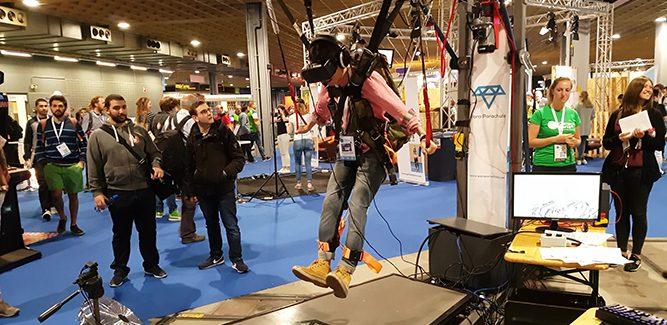Parachutespringen met een VR-bril op