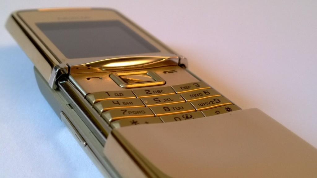 Nokia 8800 - Designtoestel van de Finse fabrikant