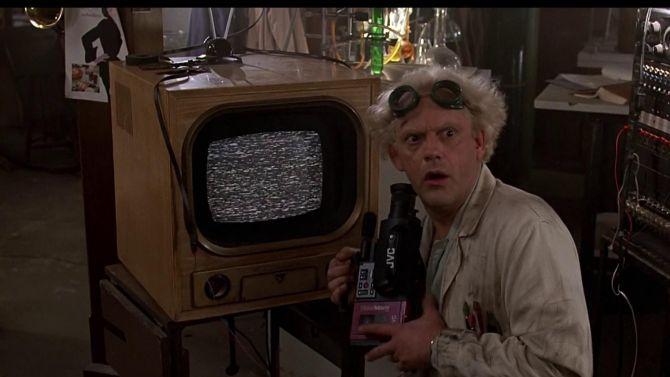 Die Doc was zijn tijd echt vooruit. Heeft hij daar nou een 3D-printer staan?