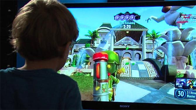 De 5-jarige hacker kon al 'teabaggen' voordat hij kon lopen.  (Foto: 10News.com)