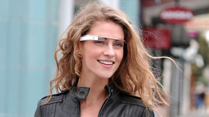 Het is dat we er telkens een lekker wijf bij kunnen zetten als het om Google Glass gaat, anders waren we nog veel bozer geweest