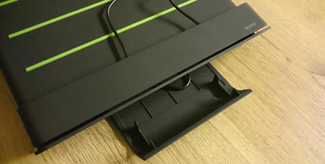 Geheim klepje aan de voorzijde voor een tablet