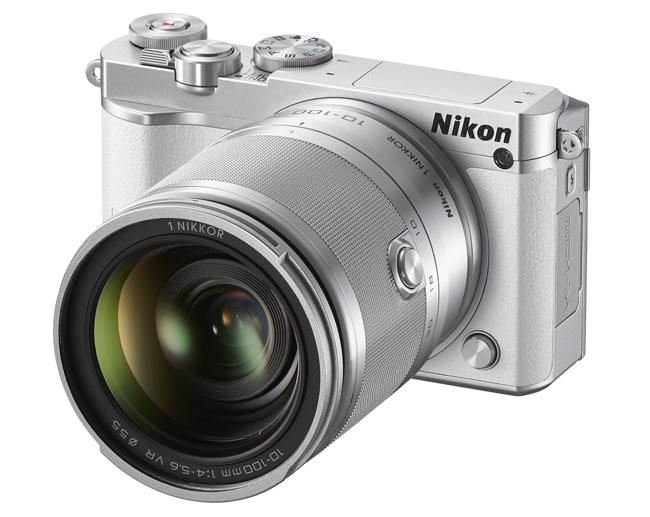 Zelfs verkrijgbaar in hipsterwit, die Nikon-cam