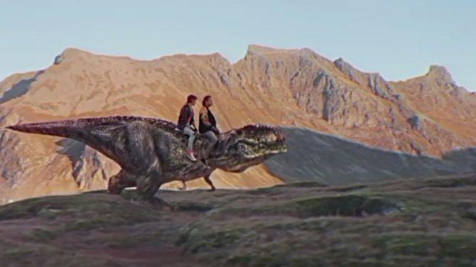 Dit is de filmscene waar wij al jaren op zitten te wachten. The Hoff zelf waarschijnlijk ook.