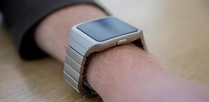 Sony Smartwatch 3 om de pols